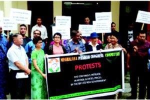 Pyrshah jur ka Congress ba  kiew dor ka petrol bad diesel